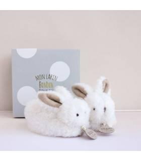Doudou Füsslinge Hase mit Rassel - Taupe 0-6 Monate